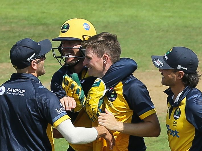 Gorvin and Phillips sign deals with Glamorgan