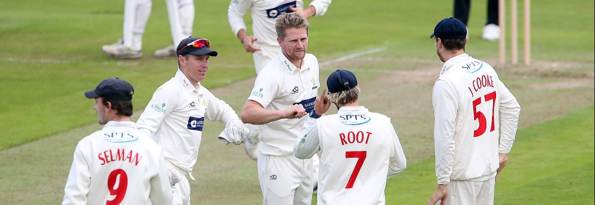 Glamorgan hold on for a draw after Selman makes 73